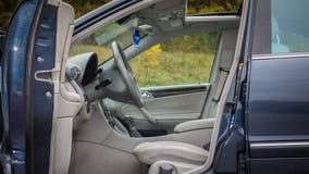 Interno lussuoso tedesco delle limousine - berlina, sedili di cuoio Immagini Stock