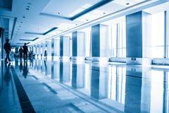 Interno moderno dell'edificio per uffici Immagini Stock