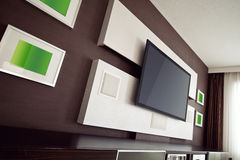 Interno moderno della stanza del teatro domestico con lo schermo piano TV Fotografia Stock