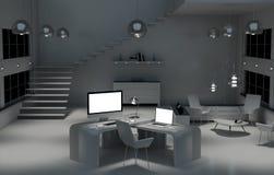 Interno scuro moderno dell'ufficio dello scrittorio con il computer ed i dispositivi 3D con riferimento a Fotografia Stock Libera da Diritti