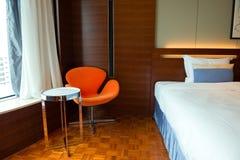 Interno semplice della camera di albergo Fotografia Stock