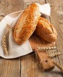 Intero pane del grano (un pane di 9 grani) Fotografie Stock