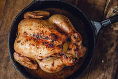 Intero pollo arrosto Immagine Stock Libera da Diritti