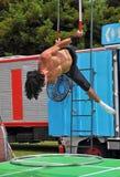 Interprète aérien de cirque de fusible, festival de musiciens de rue du monde, Zealan neuf Photographie stock libre de droits