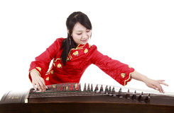 Interprète chinois de cithare Photographie stock libre de droits