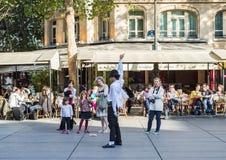 Interprète d'hommage de Michael Jackson dans l'endroit Stravinsky, Paris Photographie stock