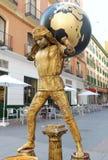 Interprète de rue (busker) en Espagne avec le globe Photos libres de droits