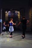 Interprètes à 6ème Moscou Biennale d'art contemporain Photo libre de droits