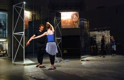 Interprètes aux arts modernes Biennale à Moscou Photo stock