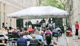 Interprètes sur scène à Memphis Music et au festival d'héritage Images libres de droits