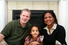 Interracial Familie stock foto
