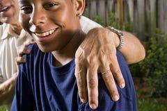 interracial son för fader Fotografering för Bildbyråer