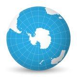 Interri il globo con la mappa di mondo bianca e mari ed oceani blu messi a fuoco sull'Antartide con polo Sud Con bianco sottile illustrazione vettoriale