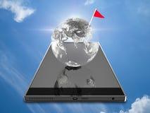 Interri il globo sullo Smart Phone e la bandiera controlla Fotografia Stock Libera da Diritti
