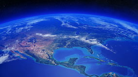 Interri la rotazione sopra Nord America con le nuvole che si muovono dentro Immagini Stock Libere da Diritti