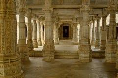 Interrior Jain świątynia przy Ranakpur Zdjęcie Stock