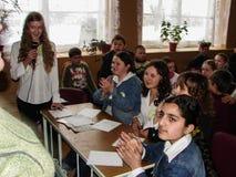 Interrogue o cérebro-anel em uma escola rural na região de Kaluga em Rússia Imagens de Stock Royalty Free