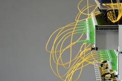 Interruptor ótico do painel de distribuição da fibra com cabos fotos de stock