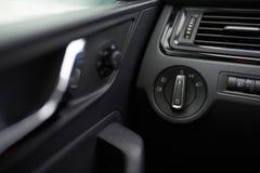 Interruptor da luz no carro fotografia de stock