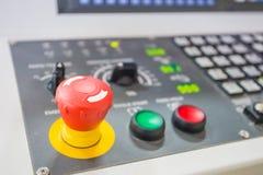 Interruptor de emergência na máquina do CNC fotos de stock royalty free