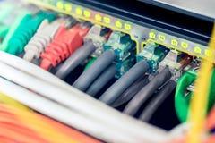 Interruptor do active dos ethernet da rede fotografia de stock