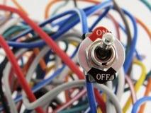 Interruptor incluido y alambres multicolores Fotos de archivo