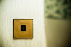 Interruptor leve na parede foto de stock