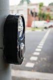 Interruptor peatonal de los semáforos del paseo Fotos de archivo libres de regalías