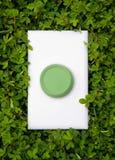 Interruptor verde da energia fotos de stock royalty free