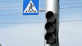 Interruptores de la luz del tráfico de verde a v1 rojo almacen de video