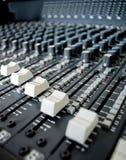 Interruptores de la tarjeta del mezclador de sonidos Fotografía de archivo