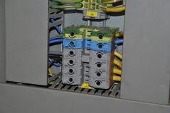 Interruptores en gabinete eléctrico fotografía de archivo