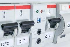 Interruptores, interruptor automático diferencial, o sensor sensível à luz Imagens de Stock