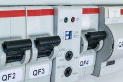 Interruptores, interruptor automático diferencial, o sensor sensível à luz imagem de stock royalty free