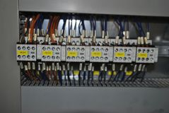 Interruptores no armário elétrico fotos de stock royalty free