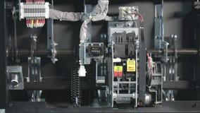 Interruttore ad alta tensione Parte di sottostazione ad alta tensione con interruttori e disconnettori Interno delle riprese elet archivi video