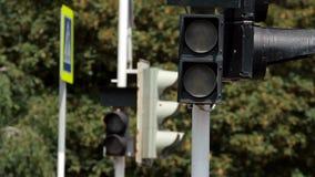 Interruttori della luce di traffico pedonale da verde a v1 rosso stock footage