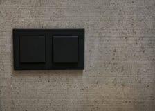 Interruttori della luce sulla parete immagine stock libera da diritti