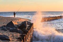 Interruttori di arresto delle onde di oceano in Nord Carolina Fotografia Stock