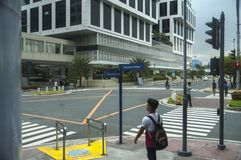 Interseção da estrada da movimentação do Avenida-porto da costa da palma na alameda da manutenção programada do composto de Ásia Imagens de Stock