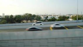 Interseção do tráfego em Dubai video estoque