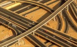 Intersección del camino de la carretera en Dubai Fotos de archivo libres de regalías