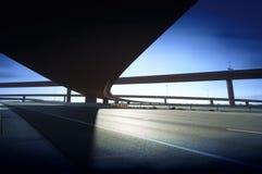Intersection de route d'autoroute d'omnibus Image libre de droits