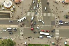 Intersection occupée vue d'en haut Photos libres de droits