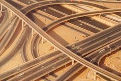 Interseção da estrada da estrada em Burj do centro Dubai Imagem de Stock Royalty Free