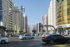 Intersezione Abu Dhabi della via Fotografie Stock