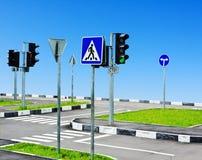 Intersezione e strada della via Immagini Stock