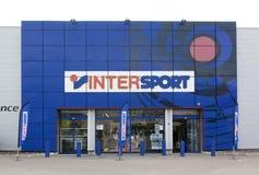 cf19211c6c7 INTERSPORT είναι διεθνής οργανισμός των καταστημάτων στο sportswe στοκ  εικόνα