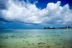 Intertidal zon av Guam Arkivfoto