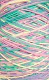 Intertwined покрасило пасма пряжи Стоковое фото RF